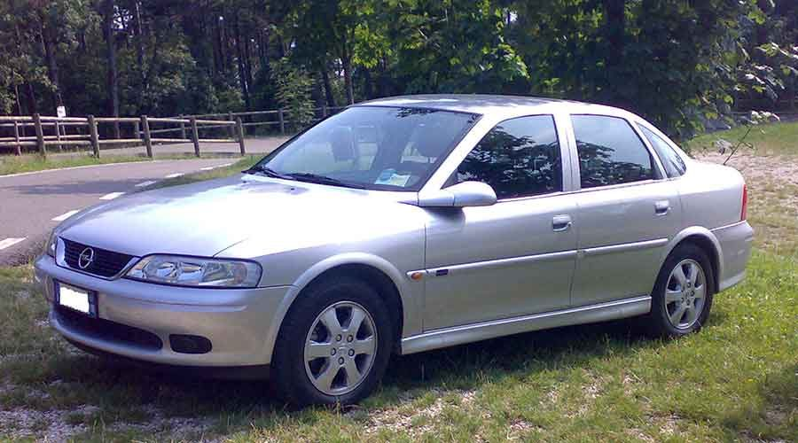 Opel-vectra-B-900x500.jpg
