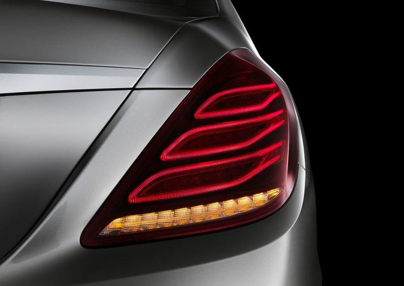 Mercedes-Benz-S-Class_2014_800x600_wallpaper_33