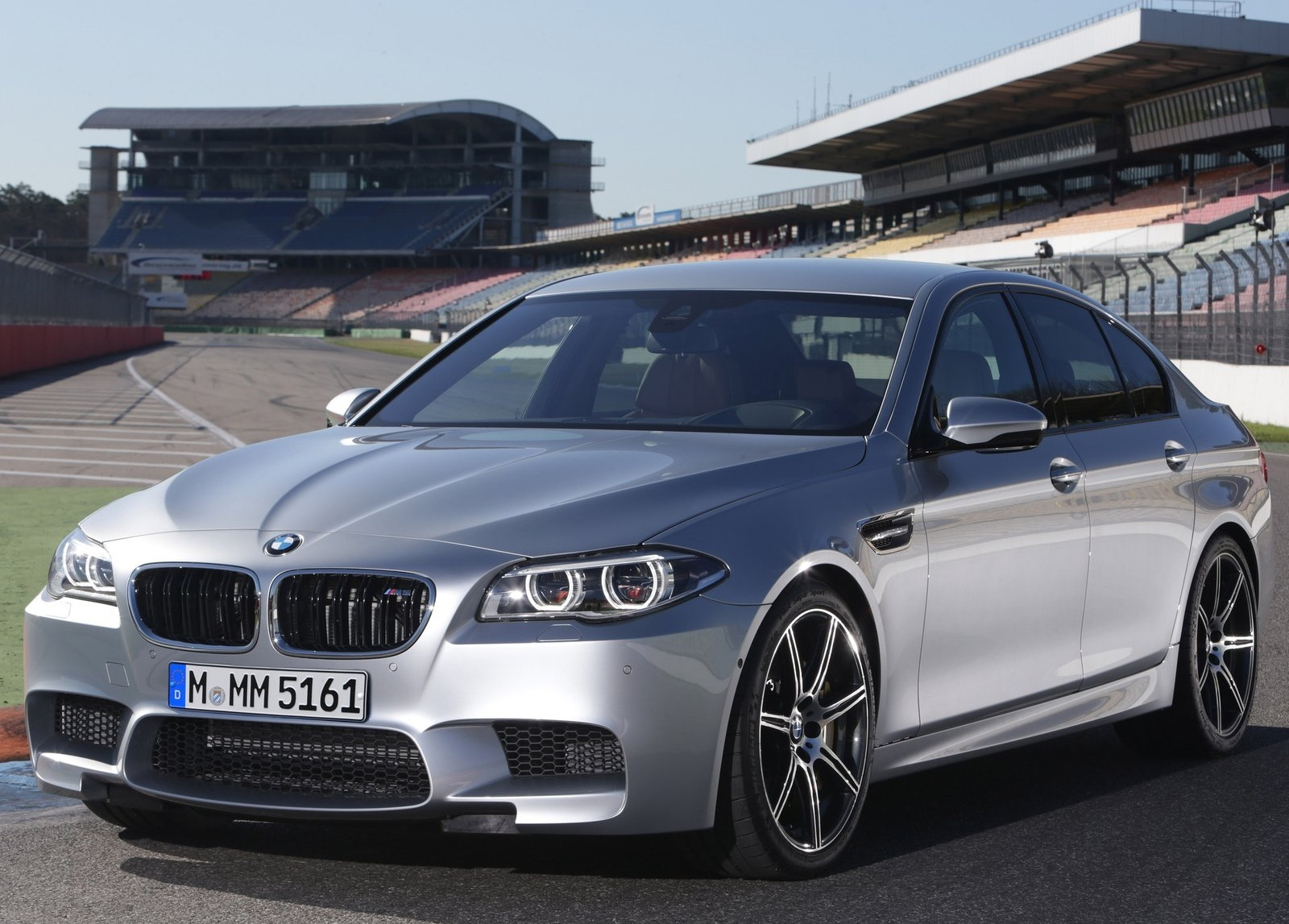 BMW M5 2014 new