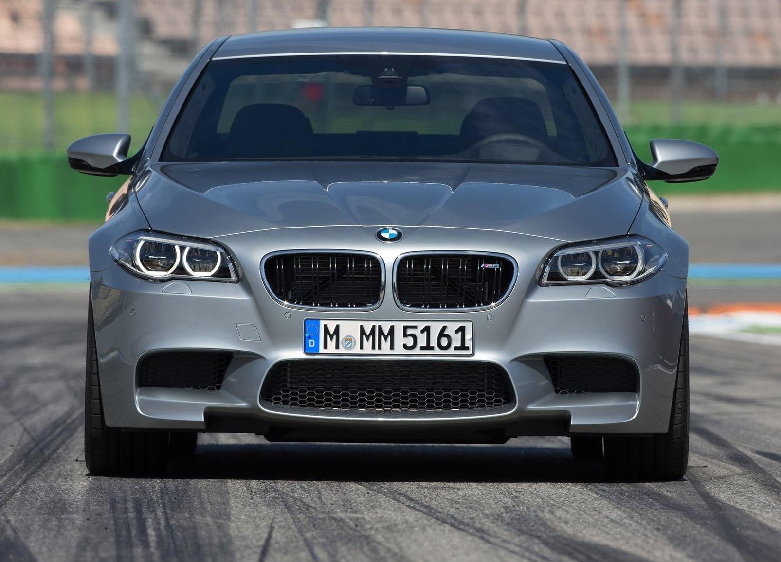 BMW M5 2014 спереди