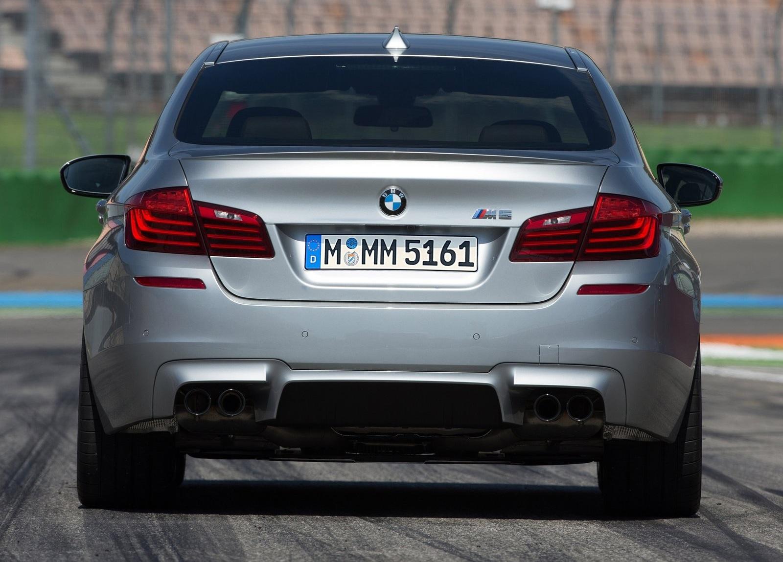 BMW M5 2014 сзади