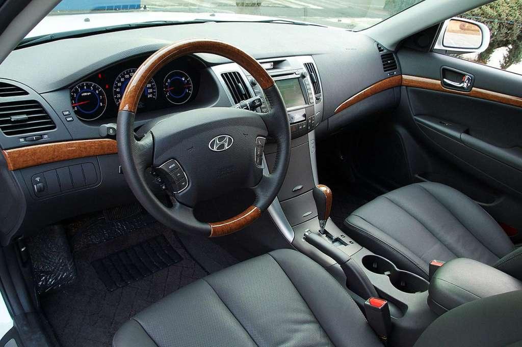 интерьер  Hyundai Sonata NF
