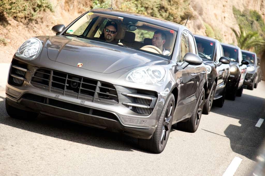 2015-Porsche-Macan-front-view-in-motion