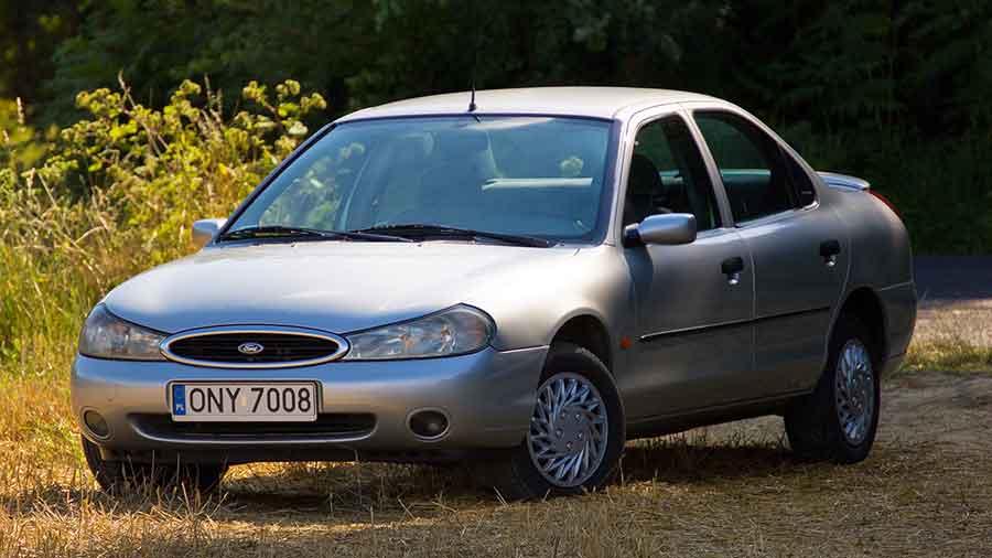 Форд Мондео второго поколения производился с 2000 по 2007 год.